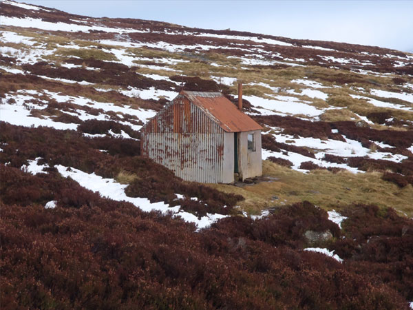 Summer and winter hillwalking days in the Monadhliath Mountains